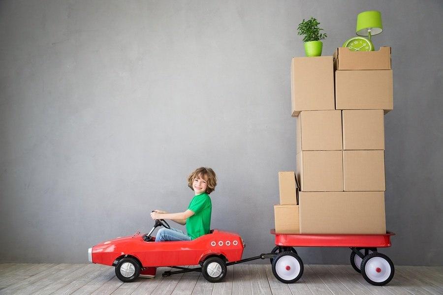 bigstock-Child-New-Home-Moving-Day-Hous-178163824.jpg