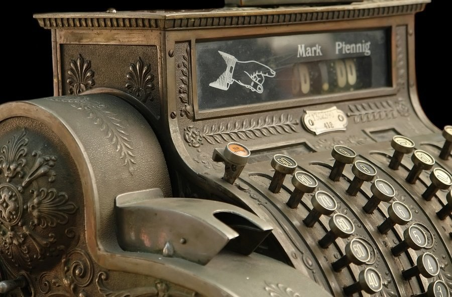 bigstock-Old-Fashion-Cash-Register-829549.jpg